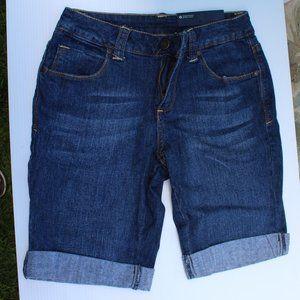 NWT Women's Faded Glory Dark Blue Jean Shorts Sz 4